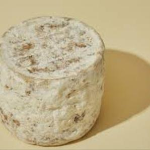 Large_twig_farm_tomme